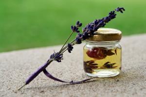 Top sfaturi pentru hidratarea pielii in mod natural