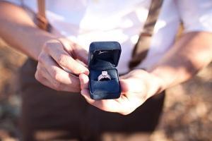 "Ce inel de logodna o va face sa iti spuna ""da"", in functie de zodia ei"