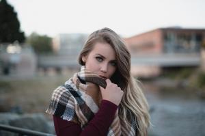6 sfaturi pentru îngrijirea părului în sezonul rece