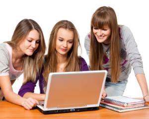 Sfatul psihologului: de ce retelele de socializare conduc la anxietate si depresie in randul adolescentilor