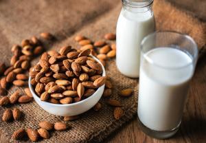 Top 5 tipuri de lapte vegetal