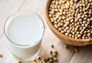 Lapte de soia - ce beneficii si contraindicatii are