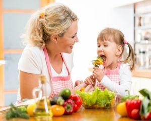 Ce alimente trebuie sa consume copiii pentru a da randament la scoala
