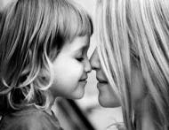 Cum vorbesti cu fiica ta despre trupul ei