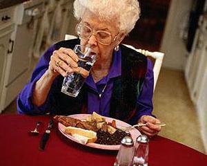 Regimul alimentar indicat pentru persoanele in varsta