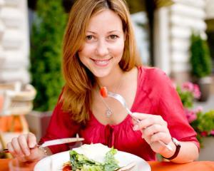 Ce sa mananci si ce sa eviti la masa de seara pentru a nu te ingrasa