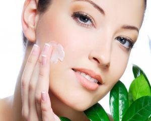 5 masti cosmetice pentru tenul gras