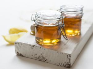 Cum recunosti mierea falsa de cea naturala. La ce trebuie sa fii atenta