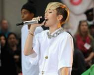 MTV: Miley Cyrus, artistul anului 2013