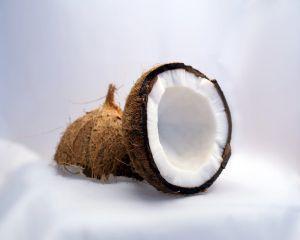 6 beneficii pe care uleiul de cocos le aduce sanatatii si frumusetii tale