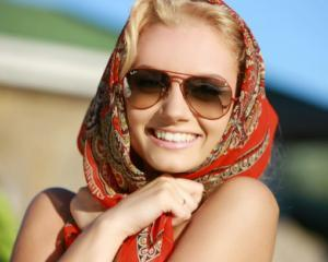 Ziua Internationala a ochelarilor de soare: Cum ne alegem perechea potrivita de ochelari
