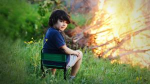 ONU: Copiii, victime ale reclamelor online la produse nocive
