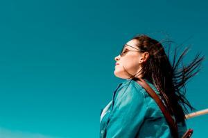 3 moduri prin care poti sa devii mai optimista