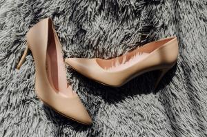 Ai nevoie de pantofi din piele comozi? Iata cum sa ii alegi pentru a scapa de durerile de picioare