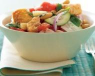 Salata Panzanella - specialitate culinara din Toscana