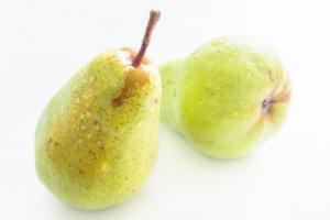 Suc de pere - 5 beneficii uimitoare pentru sanatate