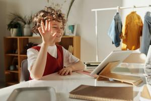 Cele mai eficiente metode pentru performante in scoala online