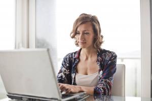 Esti femeie si avansezi greu in cariera? Iata ce trebuie sa stii
