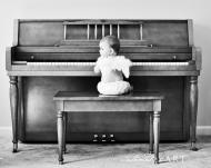 Da-ti copilul la un instrument. Ii face bine