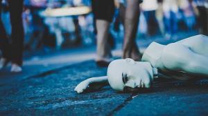 Protest inedit al unui bolnav incurabil: isi transmite sfarsitul in direct