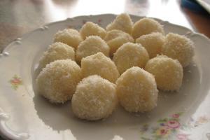 Reteta bomboane Raffaello - cum sa le prepari singur acasa