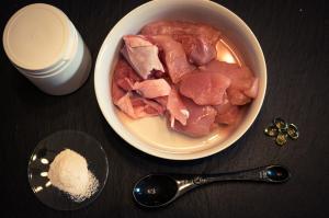 Cum preparam carnea de pui cruda - cele mai frecvente greseli