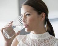 5 trucuri pentru a reduce pofta de mancare