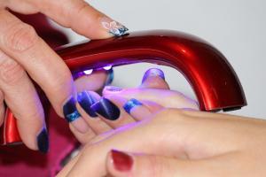 Repararea unghiilor dupa manichiura cu gel: trucurile de care ai nevoie!