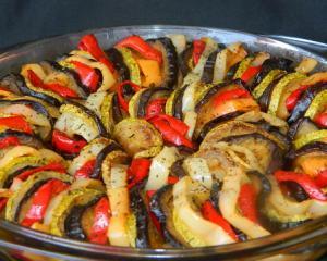 Reteta zilei: RATATOUILLE - garnitura ideala pentru friptura