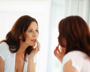 6 obiceiuri care duc la aparitia ridurilor