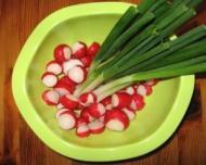 Salata de primavara cu leurda si ridichi