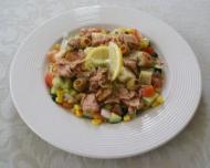 Reteta zilei: Salata de ton cu porumb