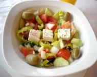 Salate care te ingrasa mai rau decat mancarea fast food