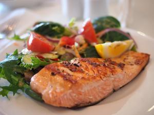 3 motive pentru care este recomandat sa consumi carne de peste mai des