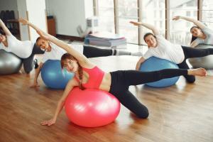 Cum sa te mentii in forma in timpul sarcinii: 4 sfaturi