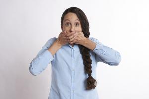 5 Tratamente pe care le poti incerca pentru gura uscata