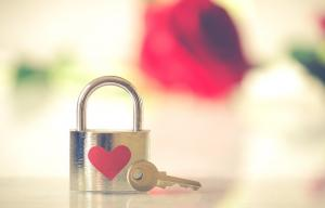 5 semne ca te iubeste mult, chiar daca nu ti-o spune