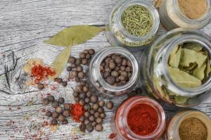 Top 5 condimente care te ajuta sa iti imbunatatesti digestia