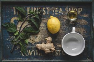 Probleme digestive? Top 3 ceaiuri care pot ajuta oricand