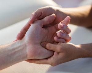 Eterna energie vindecatoare Reiki - cum iti poate fi tie de folos