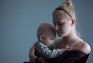 Mamele vor primi 2.000 lei sub forma de tichete