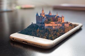 Timpul petrecut pe aplicatii mobile a trecut de 4 ore pe zi
