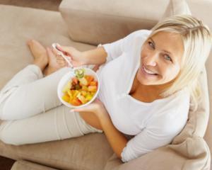 5 trucuri care te ajuta sa mananci mai putin si sa slabesti eficient