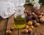 Trucuri pentru a scapa de vergeturi: uleiul de argan face minuni