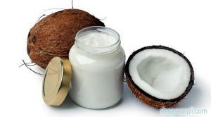 Cum te poate ajuta uleiul de cocos sa ai un par frumos si sanatos