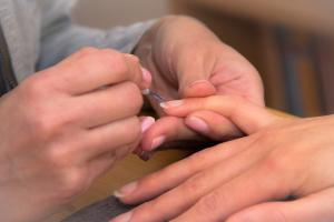 10 sfaturi pentru unghii frumoase si sanatoase