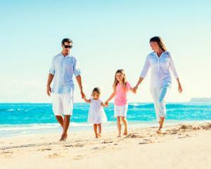 Familiile cu copii mici prefera resorturile cu locuri de joaca, iar cele cu scolari aleg circuitele tematice