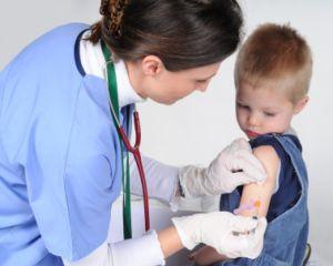 9 vaccinuri devin obligatorii pentru copii de anul viitor