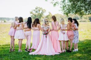 Modele de rochii ideale pentru o nunta de vara