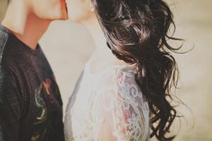 Boli care se pot transmite printr-un simplu sarut